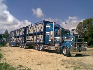 Trans Australian Livestock operates a fleet of 50 satellite tracked prime movers across the country.